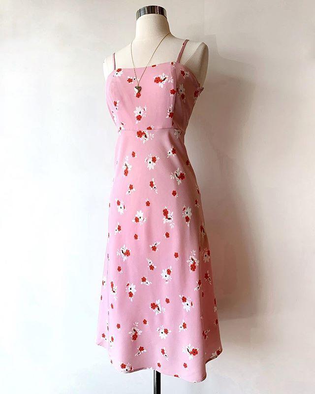 Think spring 🌸 New cherry blossom pink midi dress.