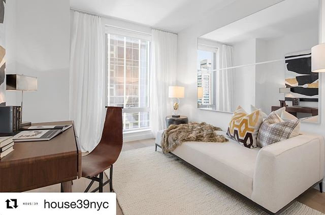 #Repost @house39nyc (@get_repost) ・・・ @house39nyc where you can kick off your shoes and cozy on up in your favorite Quadra designed room #liveaheadofthecurve 📸: @evanjosephphoto :: staging by quadra #house39 #highendhomestaging #homestaging #realestatestaging #luxuryhomestaging #midcenturyfurniture #luxuryfurniturerental #milliondollarlistingny #MDLNY #interiordesign #furniturerental #luxuryhomestaging #luxuryrealestate #nycrealestate #myhouseidea #manhattanrealestate  #nyspaces  #quadrastaging #celebrityhomes #curbed #luxurystaging #realestatestaging #luxuryfurniturerental  #nycluxuryrealestate