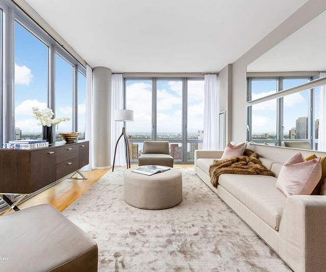 let me count the ways :: staging by quadra #highendhomestaging #homestaging #realestatestaging #luxuryhomestaging #midcenturyfurniture #luxuryfurniturerental #milliondollarlistingny #MDLNY #interiordesign #furniturerental #luxuryhomestaging #luxuryrealestate #nycrealestate #myhouseidea #manhattanrealestate  #nyspaces  #quadrastaging #celebrityhomes #curbed #luxurystaging #realestatestaging #luxuryfurniturerental  #nycluxuryrealestate