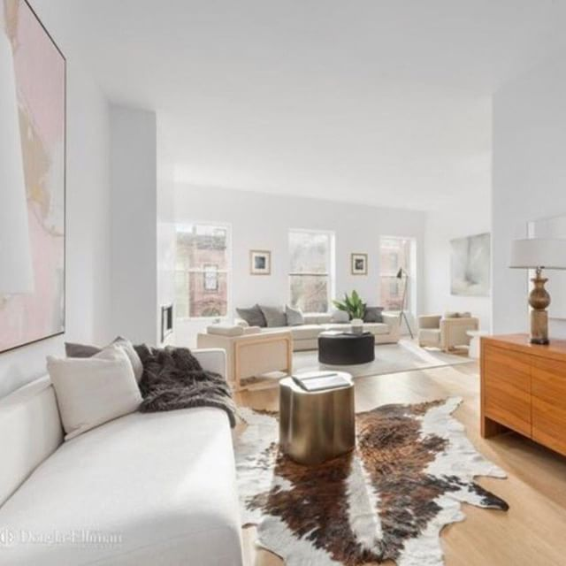 Looking through :: #stagingbyQUADRA  39 Park Place | Residence No. 2 via @the_maroni_team * * *  #themaroniteam #DouglasElliman #ParkSlope #brooklyn #gorgeous #RealEstate #windows #views #real #architecturelovers #design #nyc #lifestyle #interiordesign #new #HouseHunting #Realtor #realestate #BrooklynRealEstate #bklistings #bkliving #townhouse #brownstone #exclusive #luxuryrealestate #luxuryhomes #luxury #luxurylifestyle #luxurylife