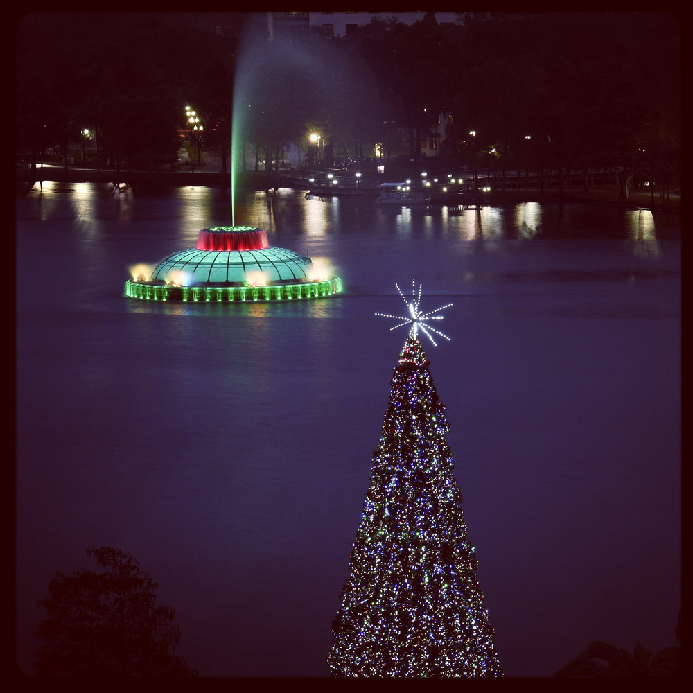 The fountain is turned Green and Red for the Holidays and a Christmas Tree is put up.