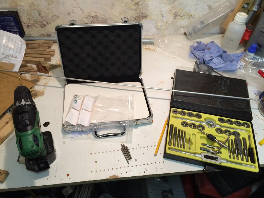 Rohmaterial & Werkzeug