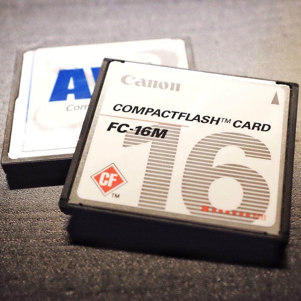 Zwei sehr alte CF Karten