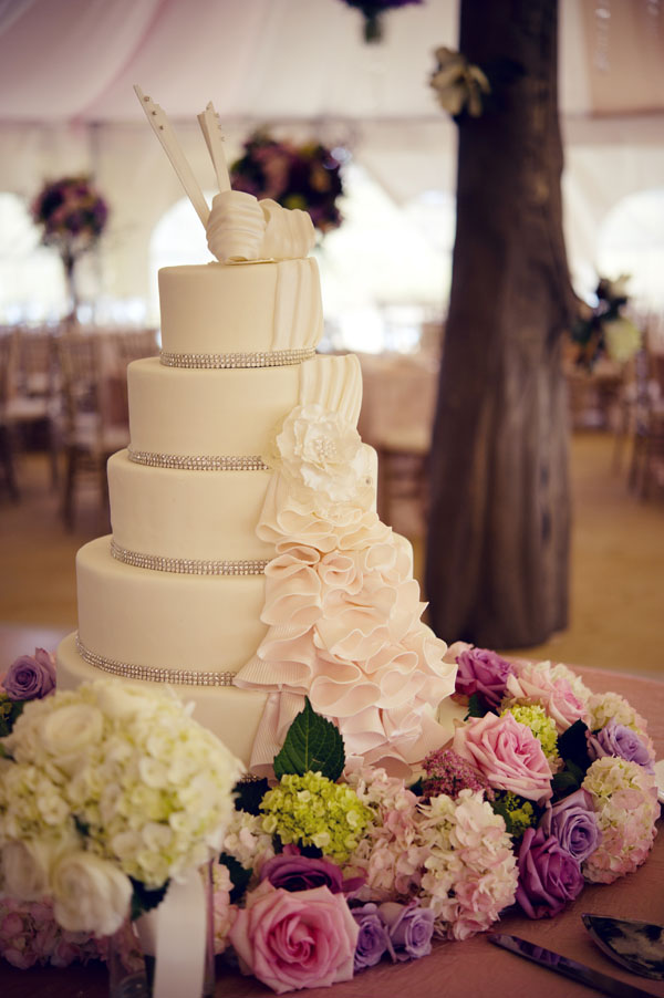 The flower House - cake with flowers.jpg