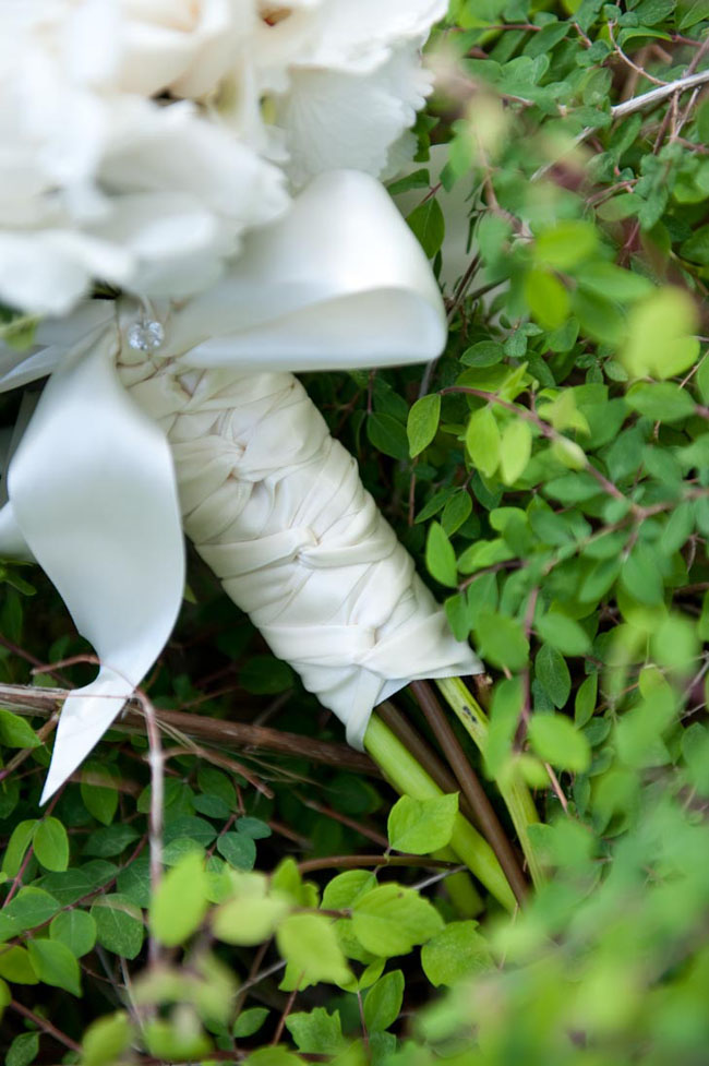 ribbon wrap on bridal bouquet.jpg