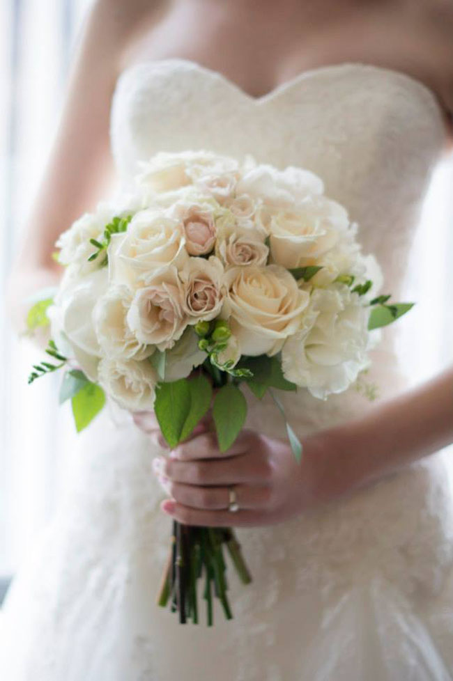 white rose bridal bouquet.jpg