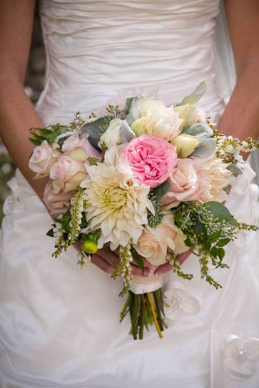 1-pink-white-bride-bouquet.jpg