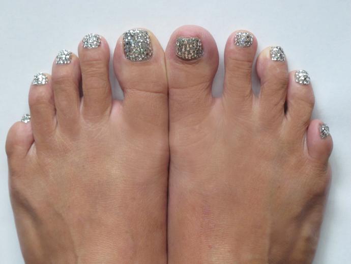 Feet web