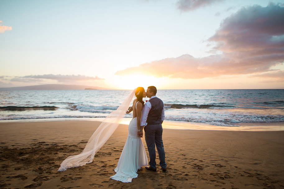Maui-Beach-Wedding-041216-25