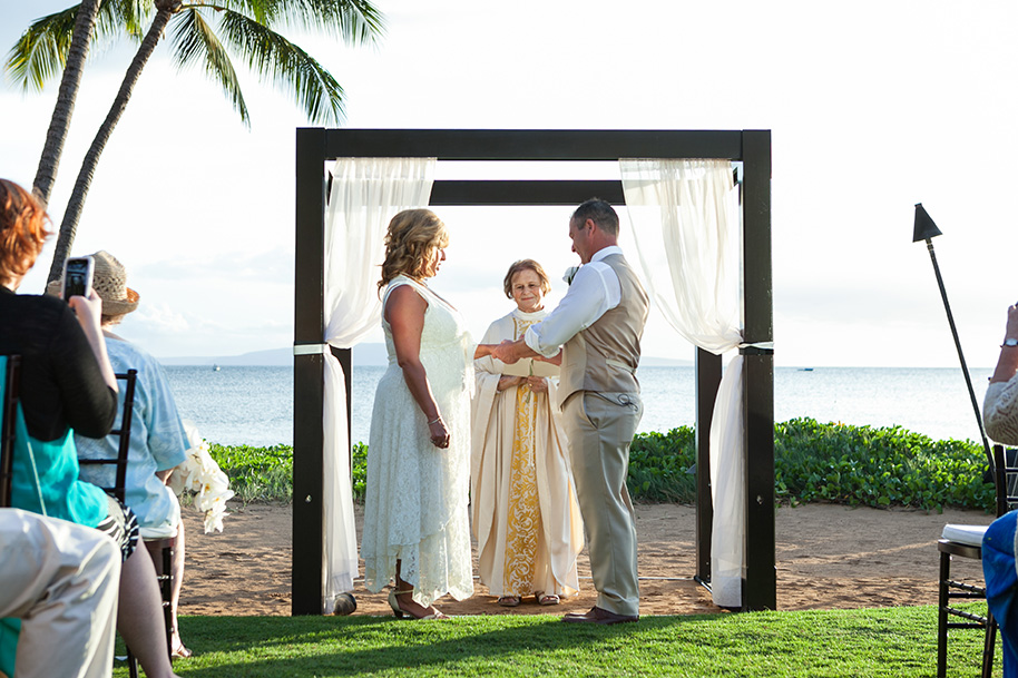 Maui-Beachside-Wedding-042916-17