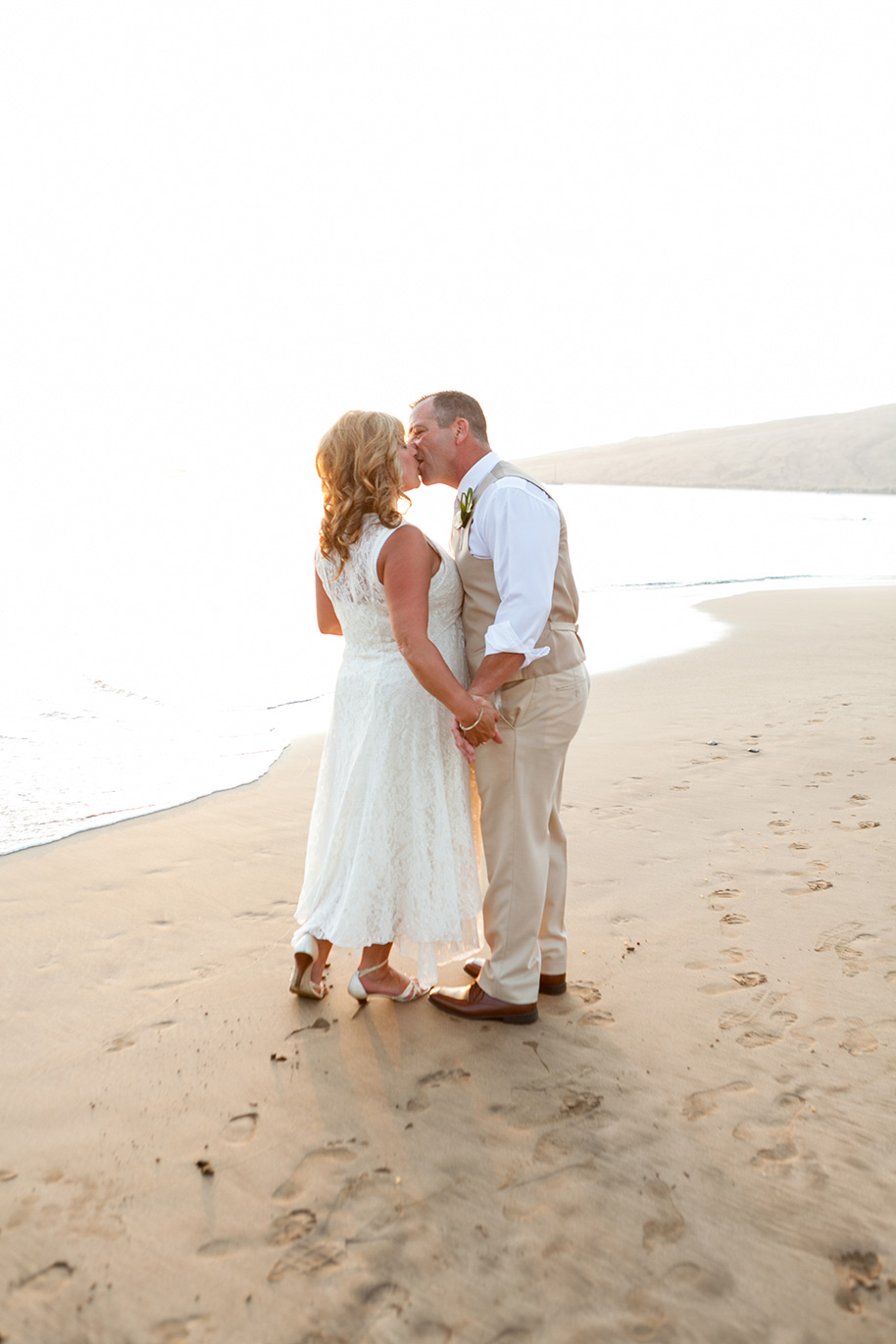 Maui-Beachside-Wedding-042916-26