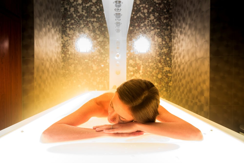 537 Vichy Shower.jpg