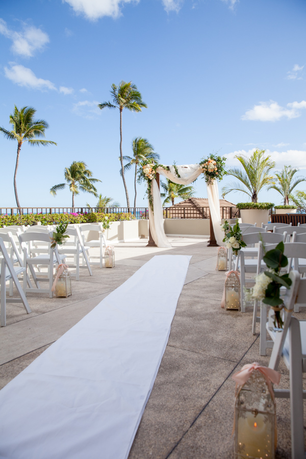 Beautiful Hawaii Wedding At Halekulani