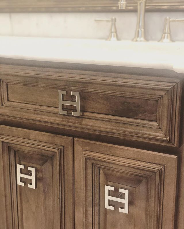 Ahhhh....beautiful bathroom jewelry!  #bathroomdesign #cabinetdesign #luxdesign #interiordesign