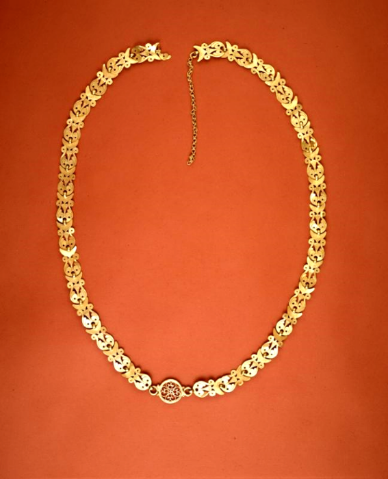The conserved necklace.