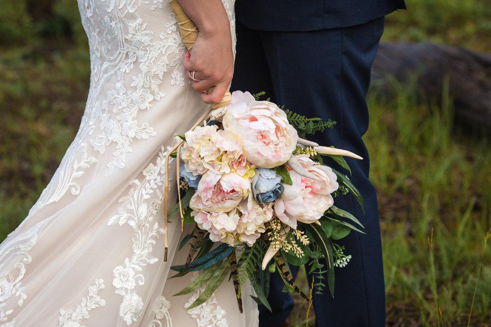 LOVE & WEDDINGS -