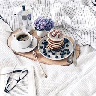 Breakfast in bed please. #lazysunday