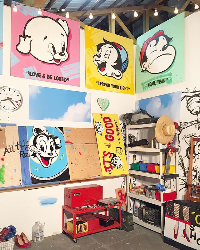 Studio Sundays ✨✍🏼 #ninasworld #ninapalomba #painting #studio #artstudio #laartist #colorful #cartoons #disney #looneytunes #toontown