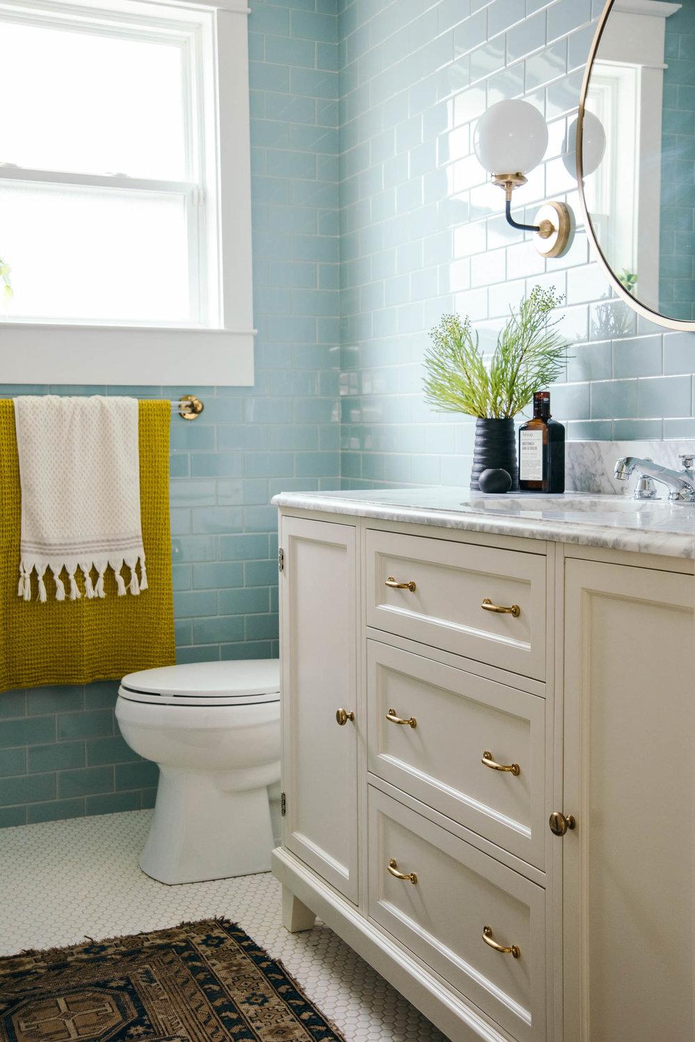 LKI_riverbend_bathroom-2.jpg