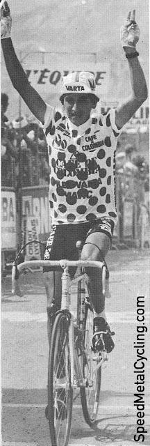 Herrera celebrates his win at Morzine-Avoriaz in 1985 (photo Mundo Ciclistico)