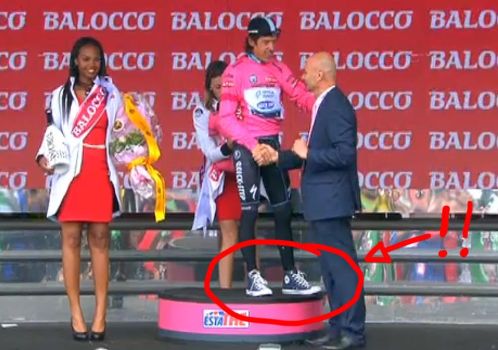 Urán Urán wears Chucks and a cycling cap. Great style, Rigo!