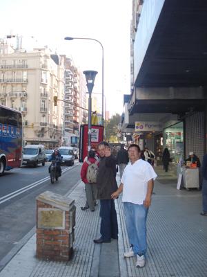 """Un """"¡Hola!"""", desde Argentina de parte de Luis Alberto y el Ing. Martell."""