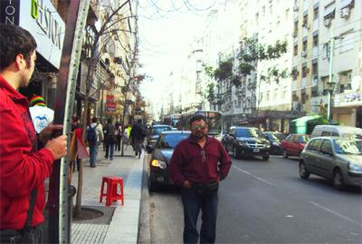 Juan Carlos también disfrutando del paseo, aquí rumbo a la SADAIC (Sociedad de compositores de Música en Argentina)