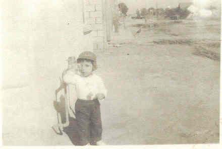 Mis dos primeros años los viví muy solitario, hasta que llegó mi hermanoLuis Alberto.