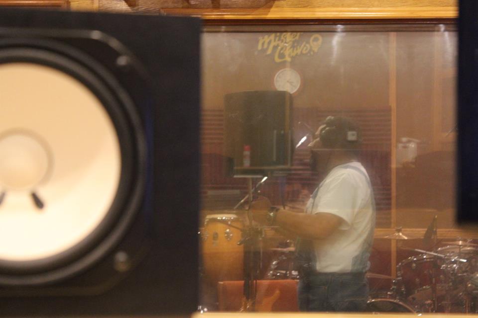Juan Carlos grabando voz...