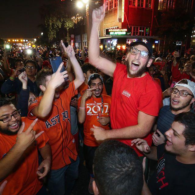 #HoustonAstros fans celebrate the #WorldSeries win against the #LosAngelesDodgers Wednesday, Nov. 1, 2017, in Houston. #photojournalism #houston #texas #gostros #goastros