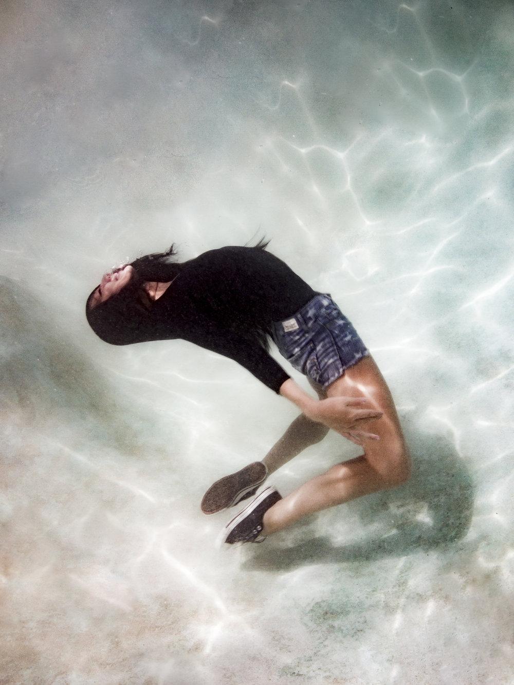 Faye Underwater-8.jpg