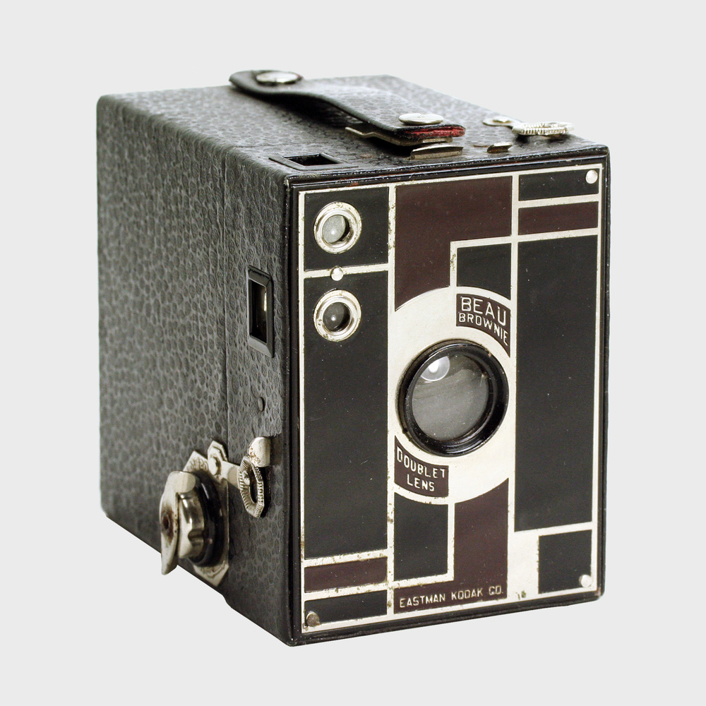 kodak-beau-brownie-no2-maroon-black.jpg