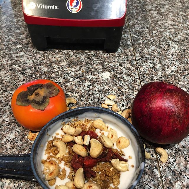 Chronobiotics. Cashew yogurt @foragerproject mulberries, goji berries, and cashew. Served with persimmons and pomegranates. Rise with the sun, eat from the trees, allows the cleansing. @solculinary good friend and teacher. #grateful #liveplantbased #healingwithfood #blessed #liveplantbased #vegan