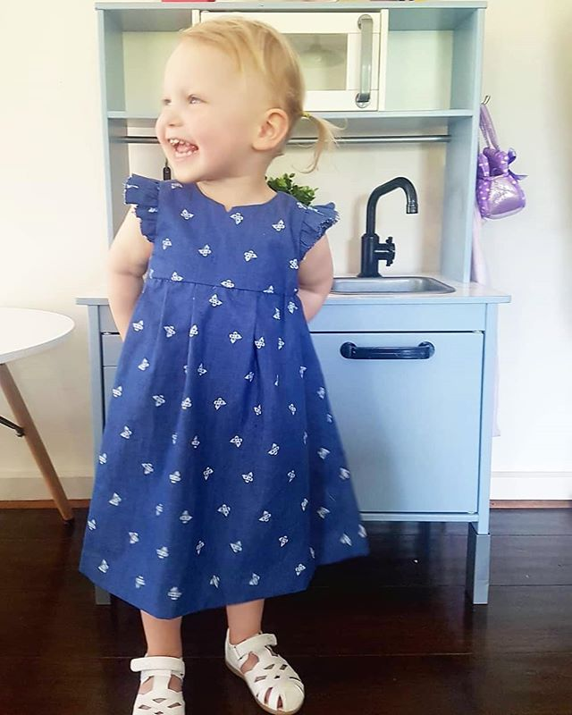 I love baking/food styling, but life has been so busy lately and I've decided to use my down time to focus on other projects-like this Ikea kid's kitchen hack for my little Indi (swipe across), and this #geraniumdress I made using @madebyrae pattern. Loving the satisfaction a homemade project can give ☺