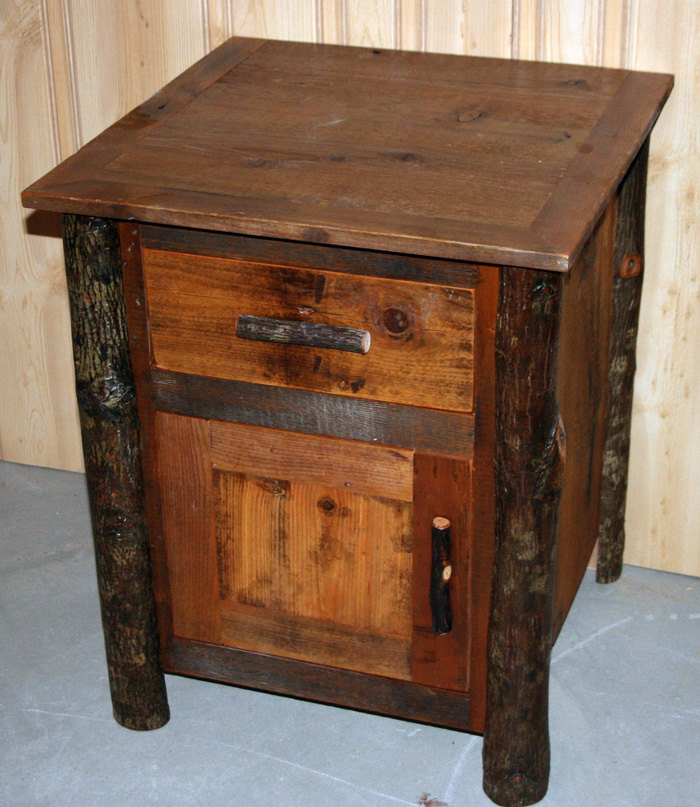 Lodge Style Hickory Log End Table Night Stand