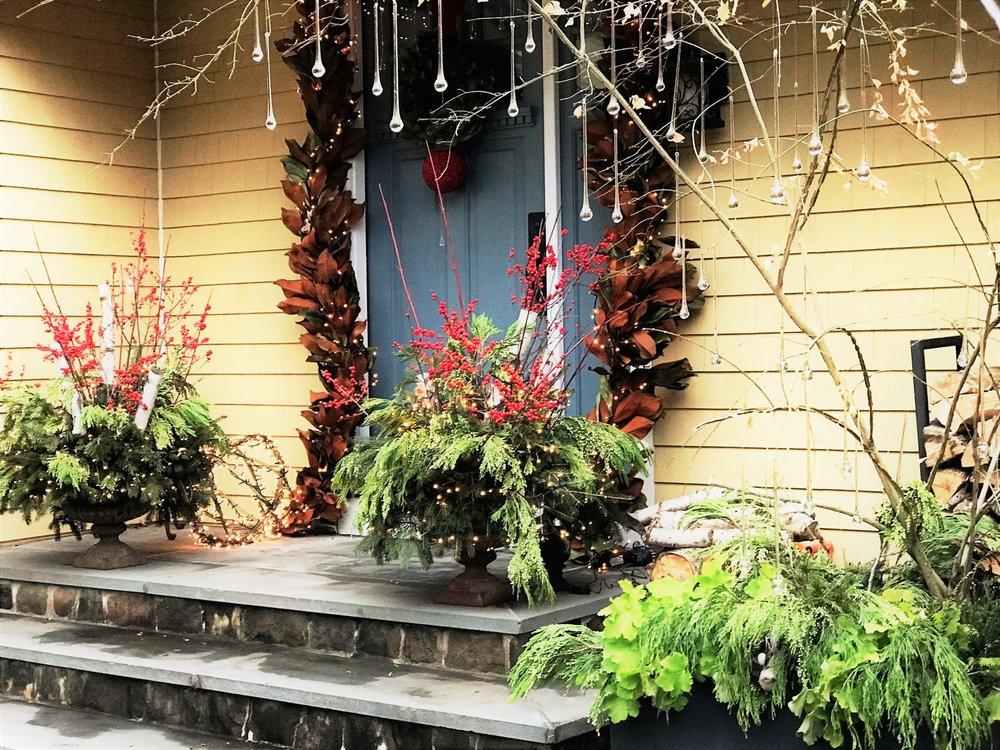Norwalk Holiday Planters