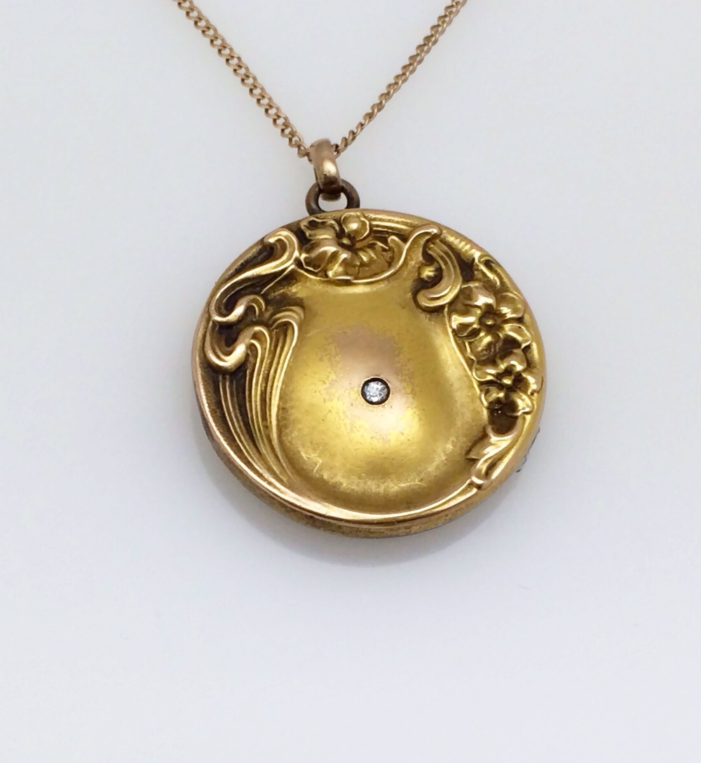 locket_single diamond_front.JPG