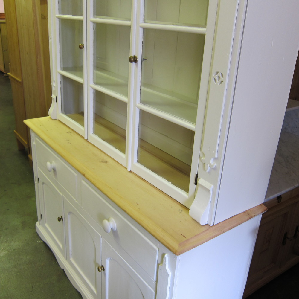 Restoring And Painting An Old Pine Dresser