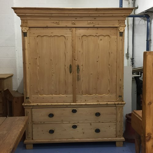 Very Large Antique Pine Linen Press / Storage Cupboard (R7508E) - Antique Pine Cupboards, Bases, Sideboards — Pinefinders Old Pine