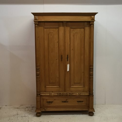 Antique Pine Child's Wardrobe / Large Cupboard (T0455D) - Antique Pine Cupboards, Bases, Sideboards — Pinefinders Old Pine