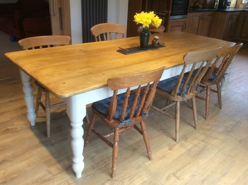 tapered leg pine table with painted base