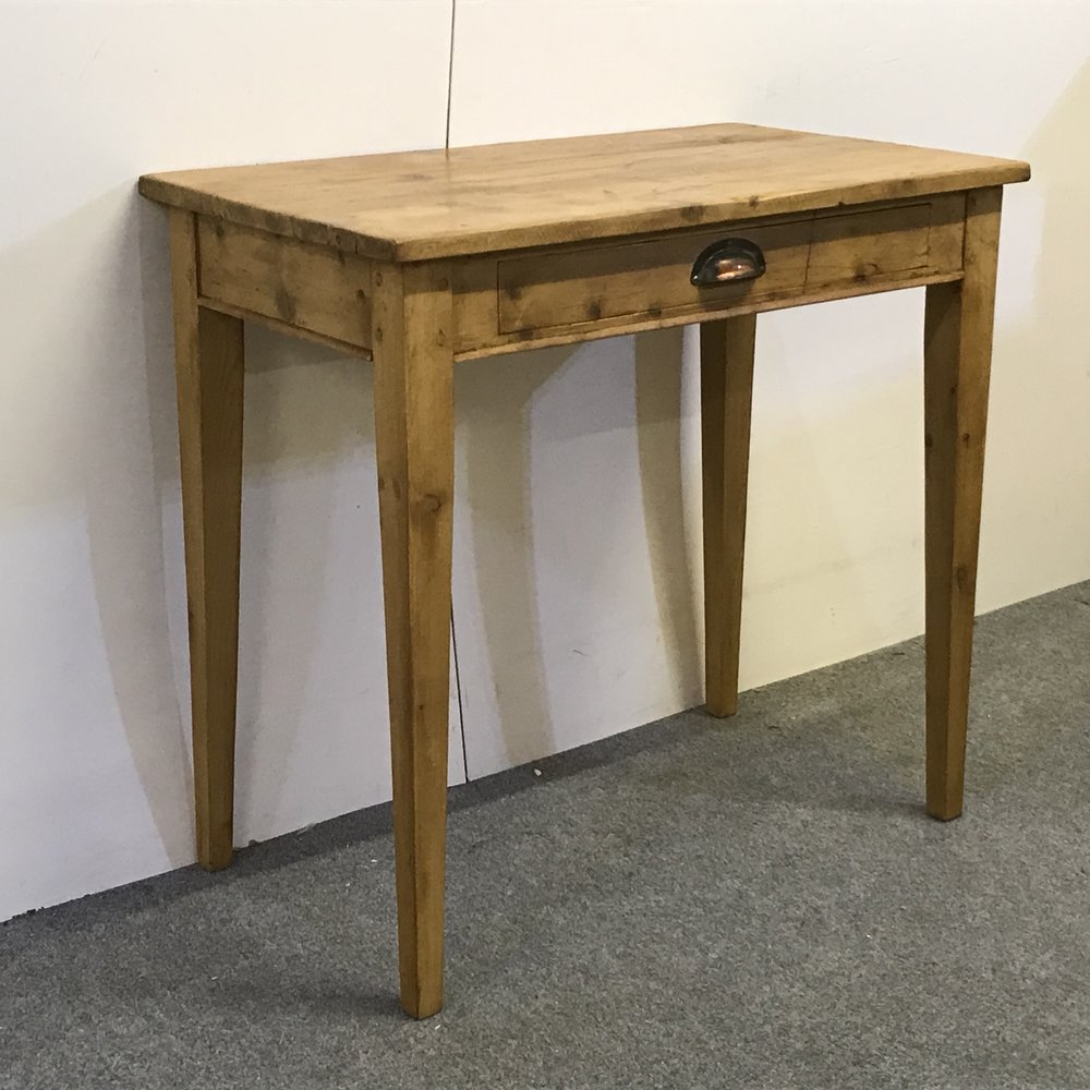 Can be made with turned, tapered or square legs