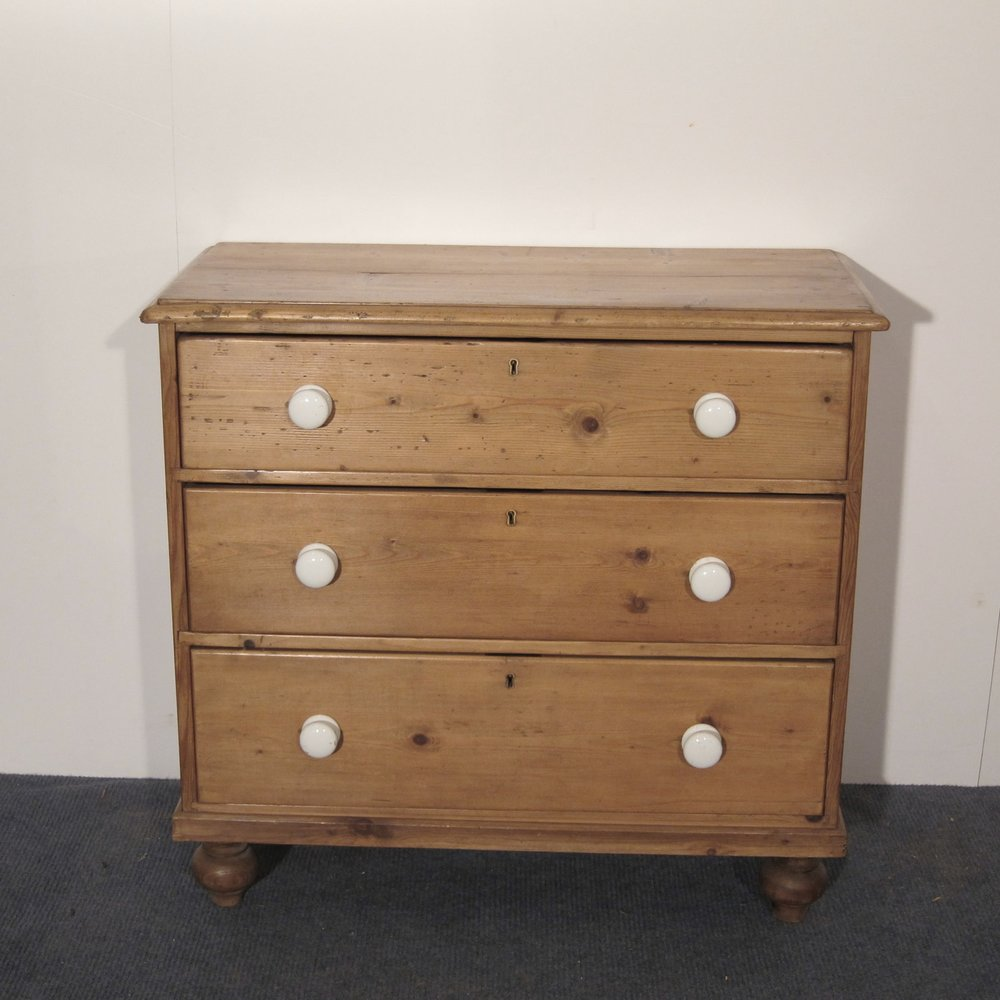 Victorian pine chest of drawers waxed in Briwax - Antique Brown