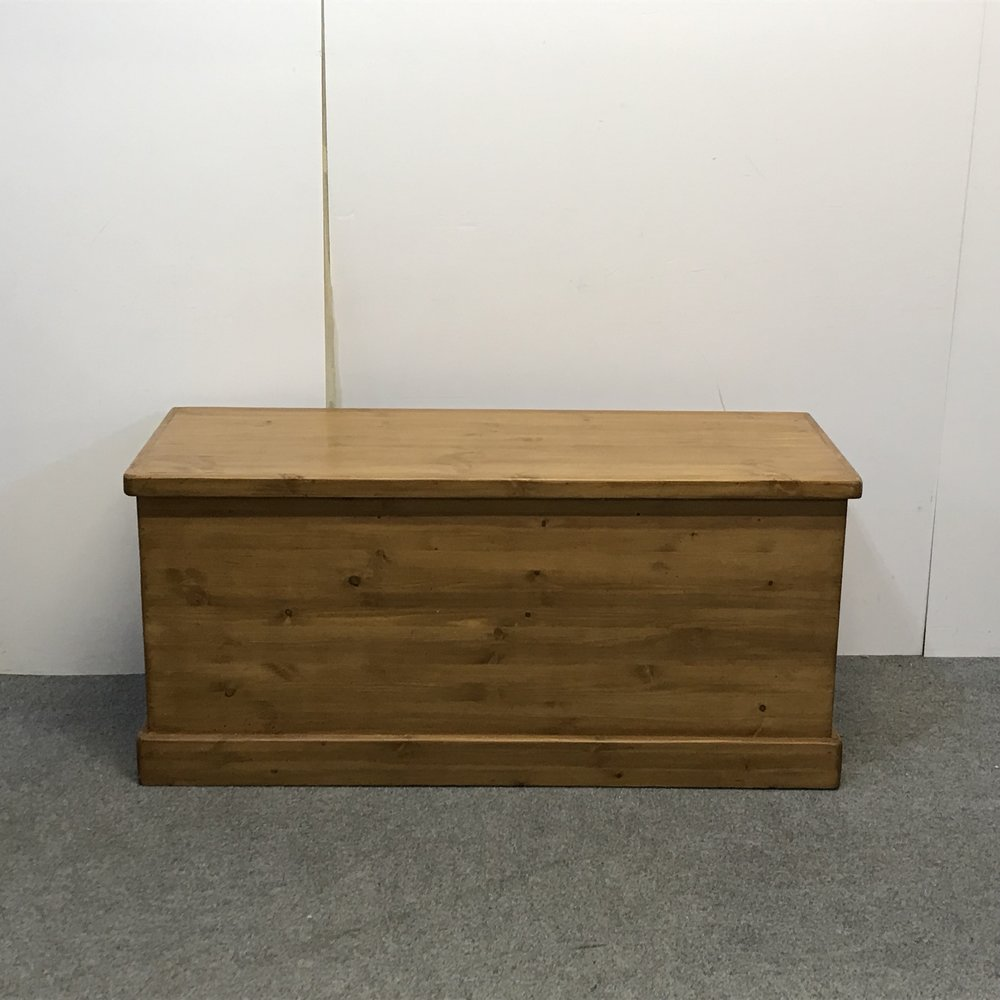 Large made to measure pine box