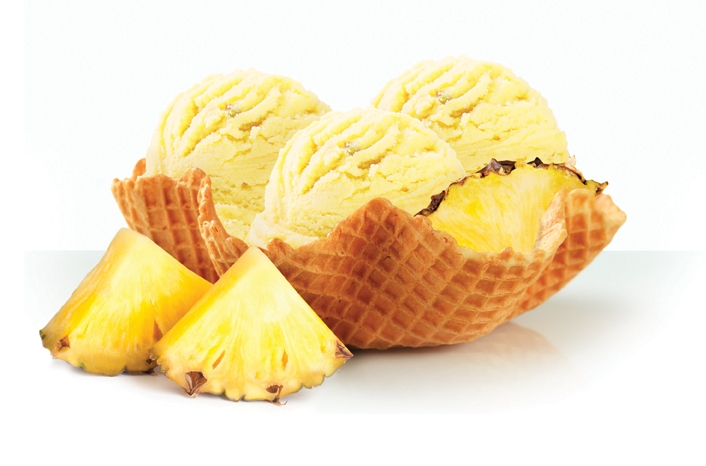 Giovanna_pineapple.jpg