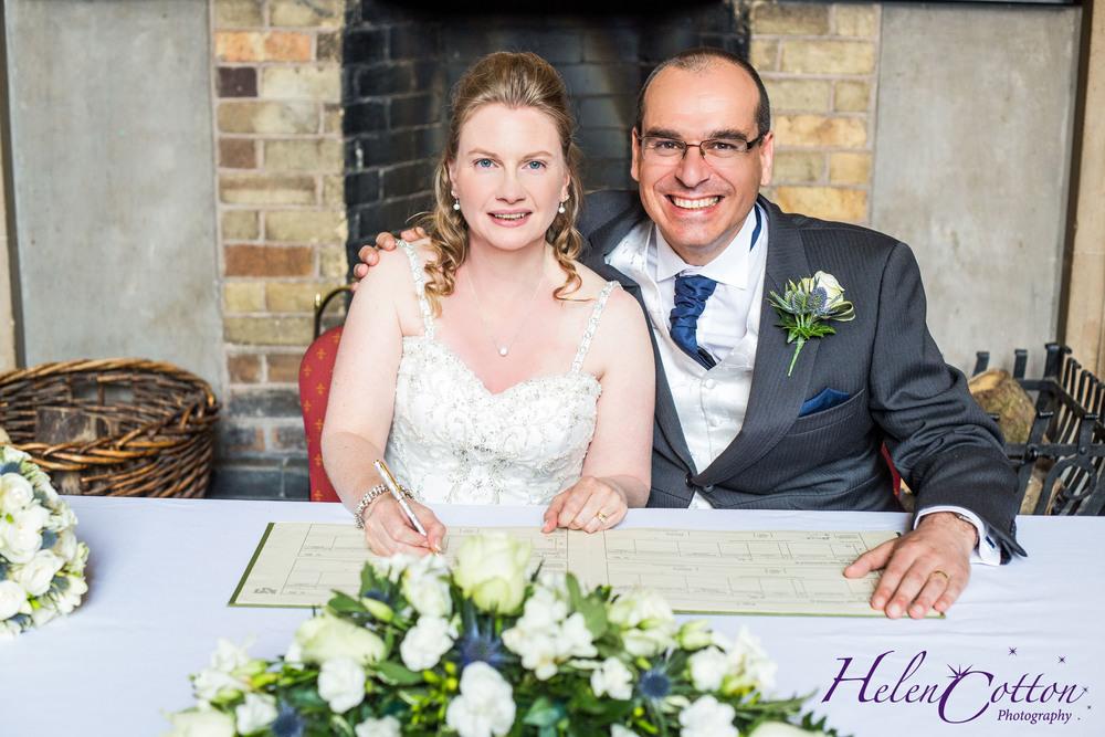 Lisa & Neil's Wedding_Helen Cotton Photography©242.jpg