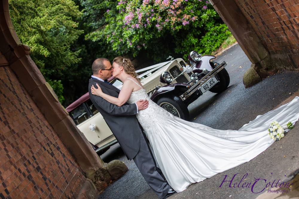 Lisa & Neil's Wedding_Helen Cotton Photography©767.jpg