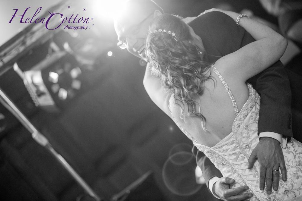 Lisa & Neil's Wedding_Helen Cotton Photography©887.jpg