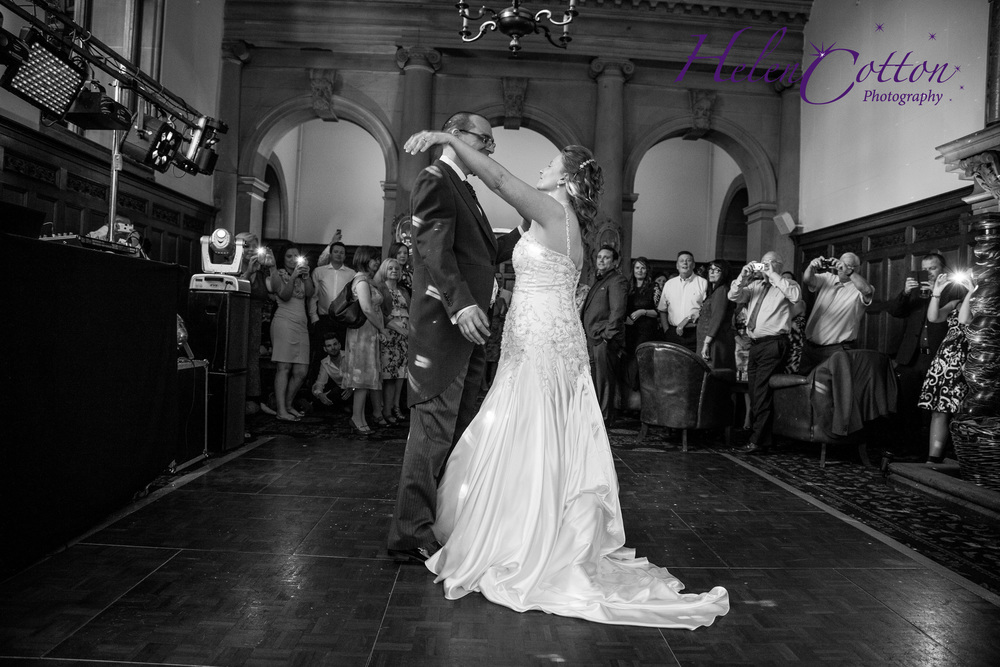 Lisa & Neil's Wedding_Helen Cotton Photography©942.jpg