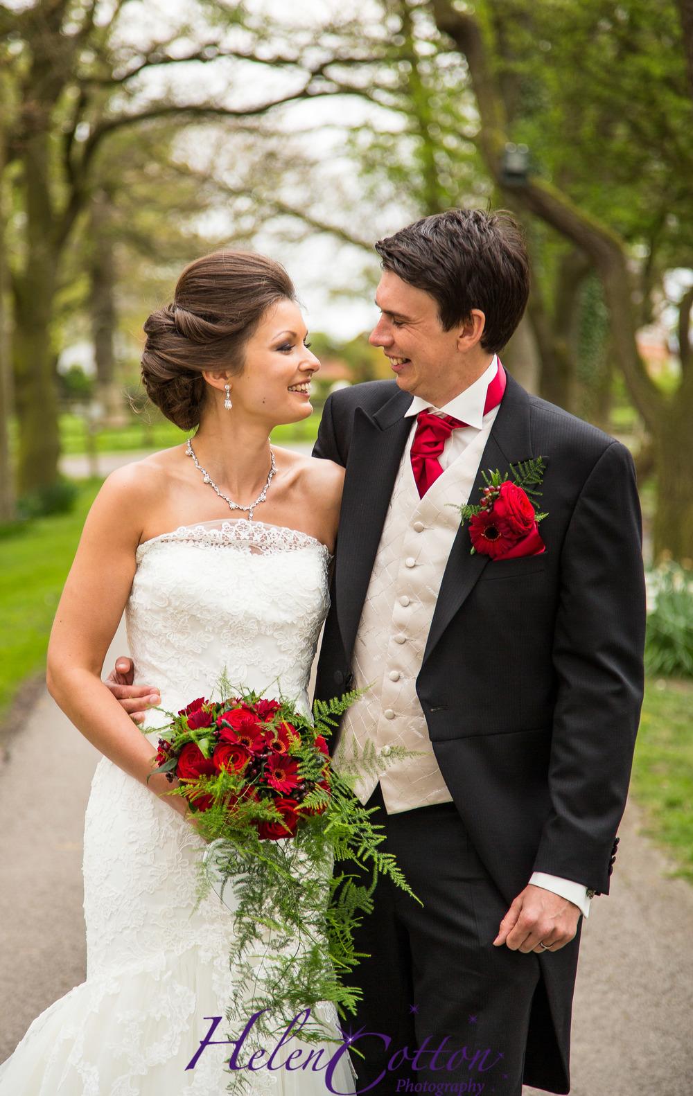 Sian & Rob's Wedding_Helen Cotton Photography©-1184.JPG